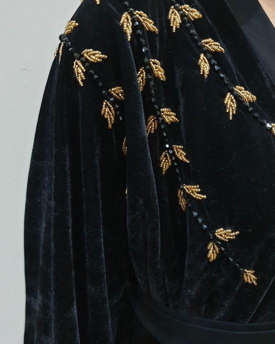 BLACK AND GOLD VELVET OPEN ABAYA - Abayas - AS2021